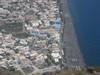 La cittadina di Kamari che si vede dalla cima del monte