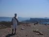 Siamo al centro della caldera sull'isola di Nea Kameni un vulcano addormentato